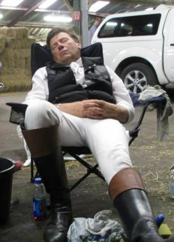 Coachman_James_Hanson_CROPPED_sleeping_at_Royal_Ascot.jpg